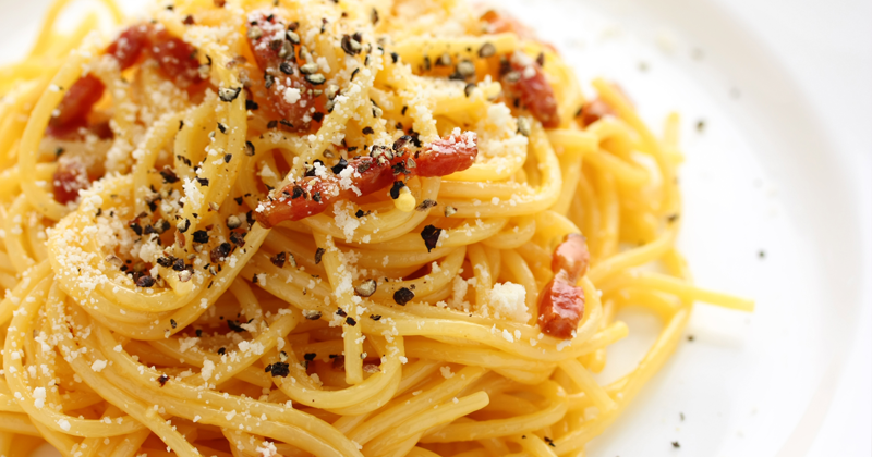 pasta-alla-carbonara-close-up